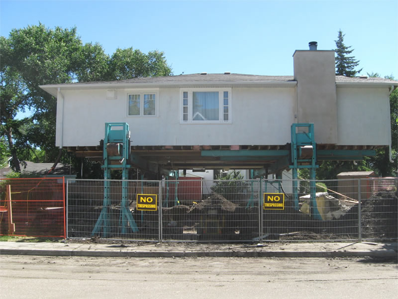 House Lifted for an Insulated Concrete Form (ICF) Basement Replacement using the Atlas HLS 5
